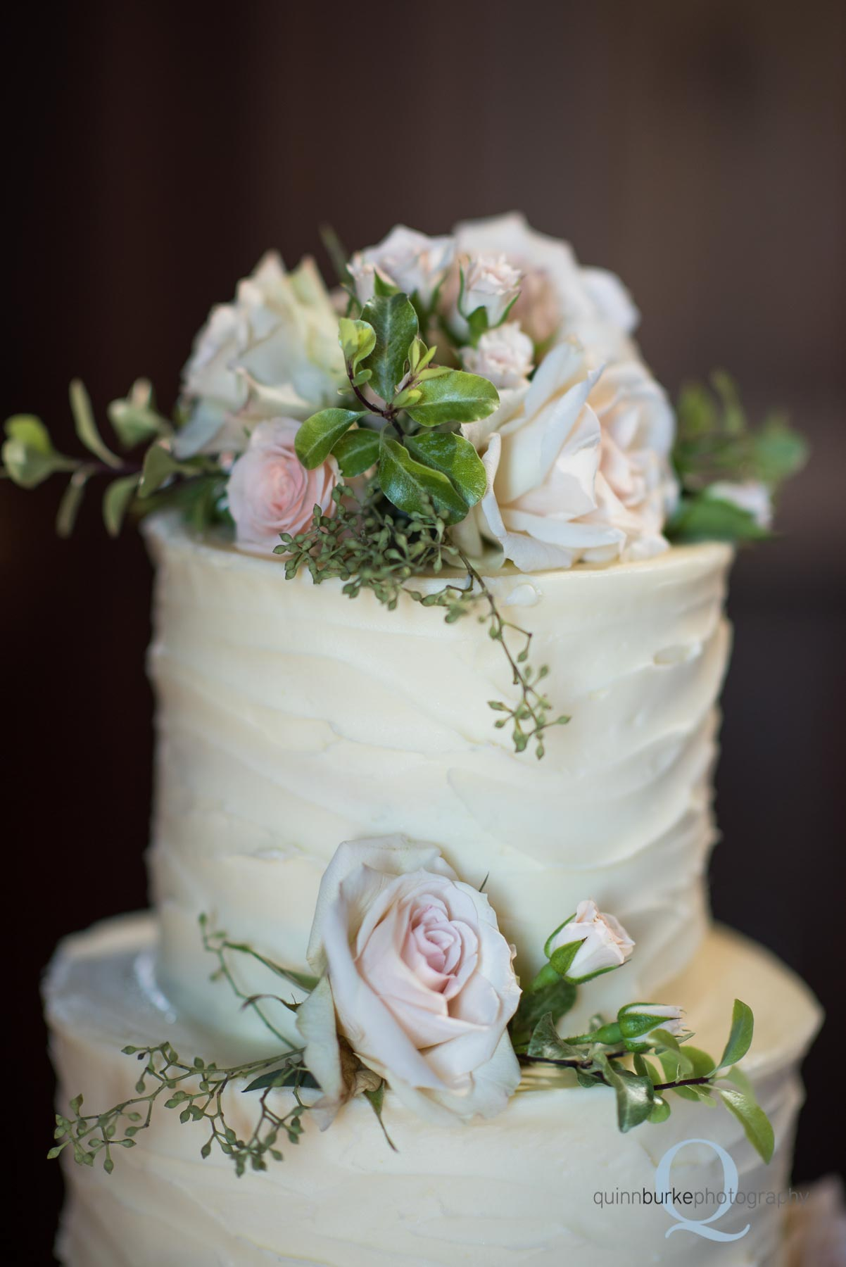 Perryhill Farm wedding cake roses