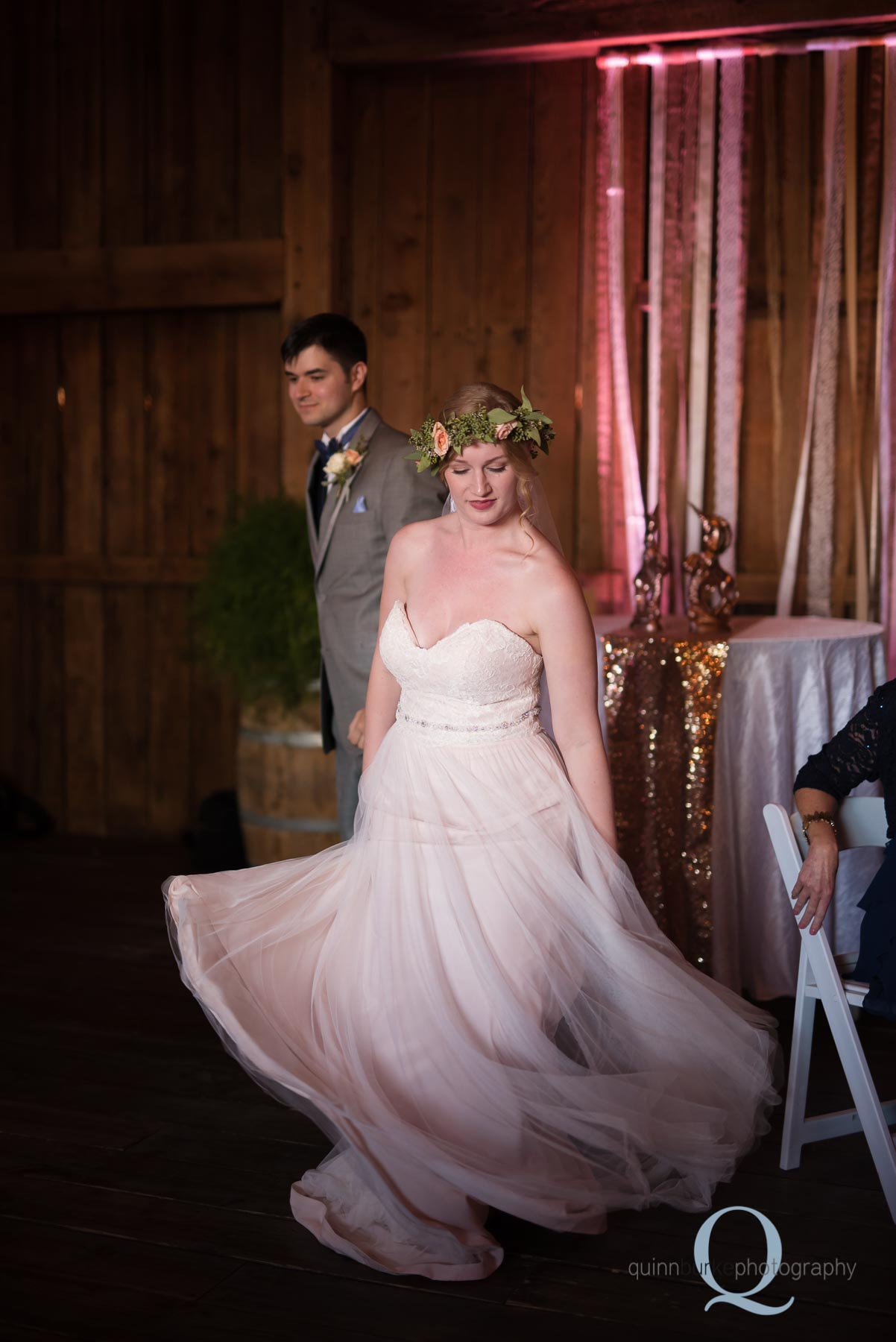 Perryhill Farm barn wedding oregon