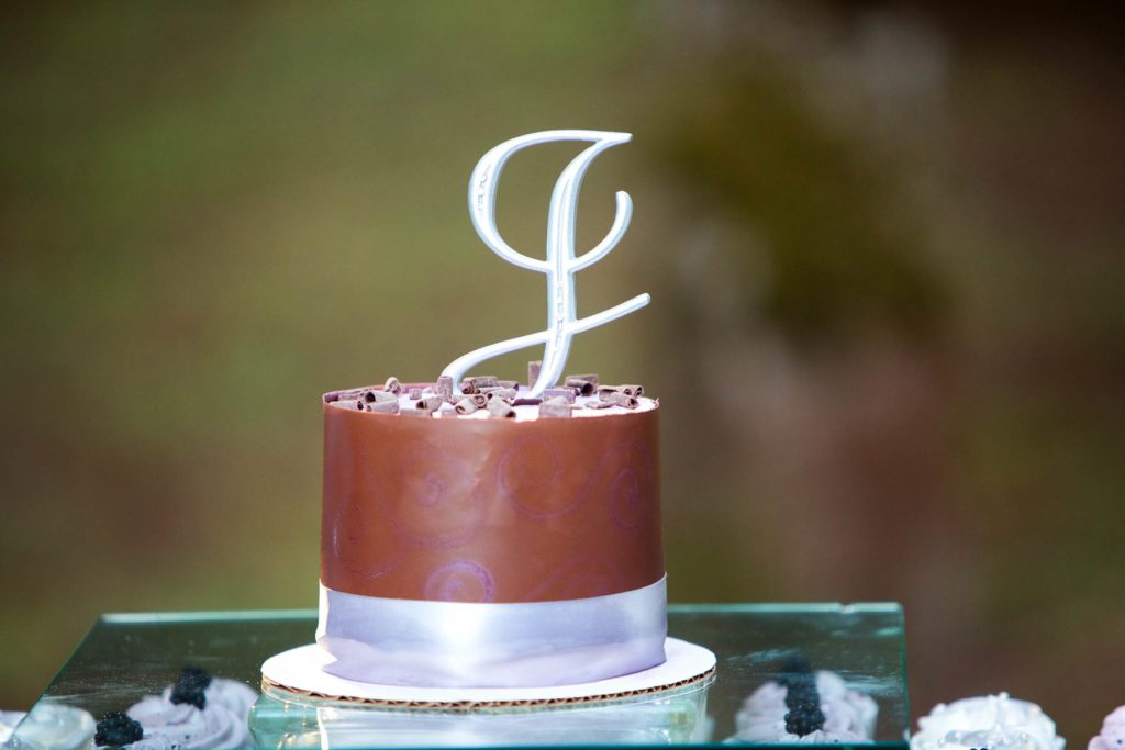 wedding cake salem oregon photographer
