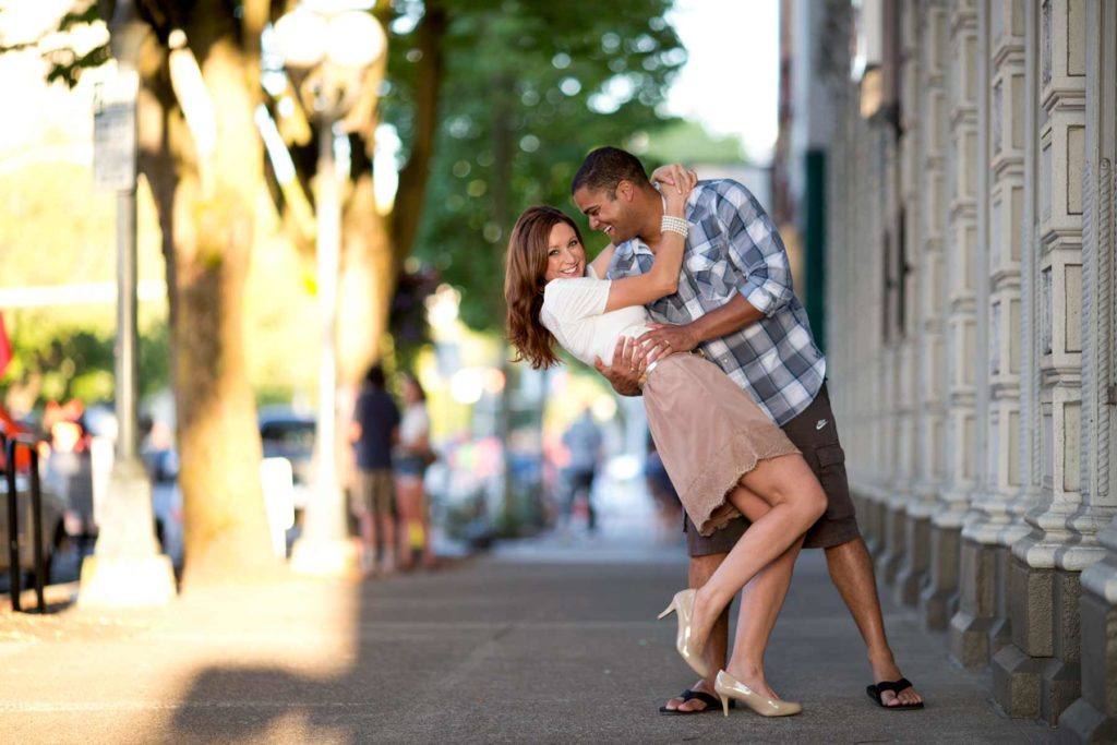 engagement portrait salem oregon downtown summer