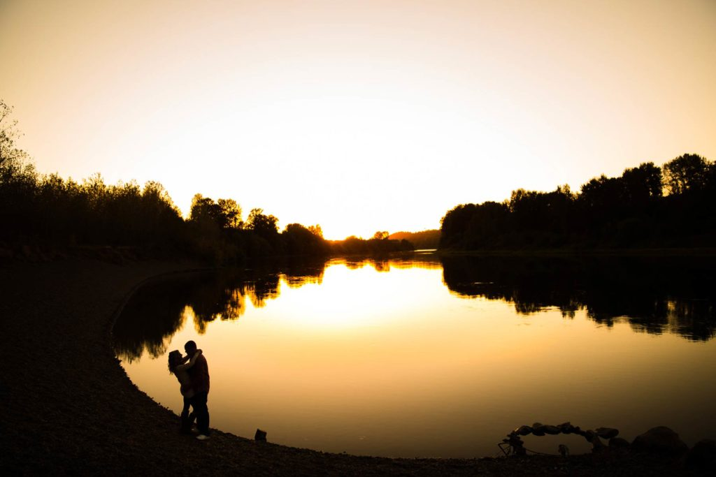 engagement photo golden sunset silhouette minto brown park salem oregon