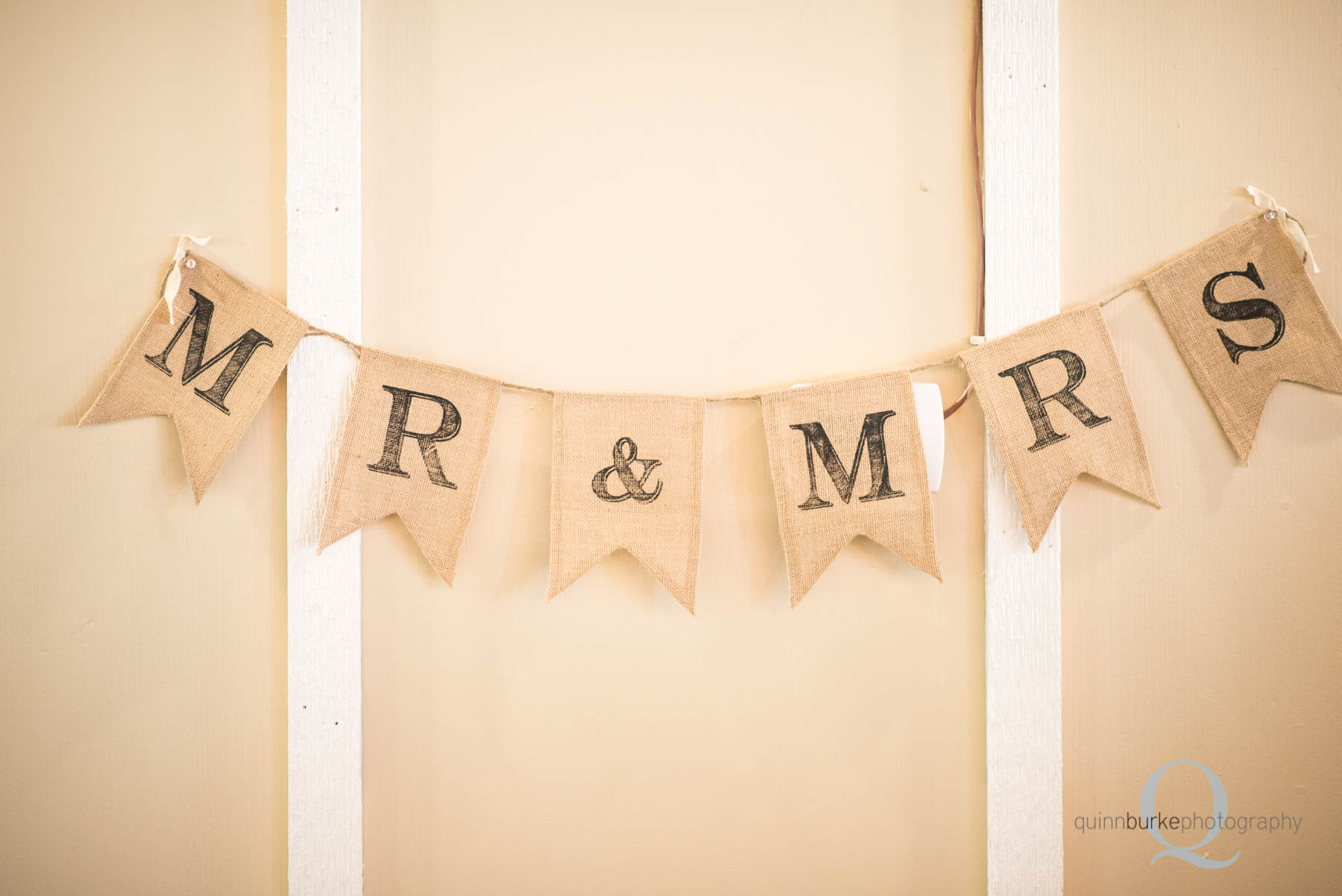 mr and mrs flag rope sign