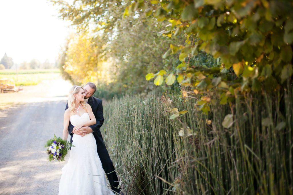 bride groom heiser farms dayton salem oregon wedding