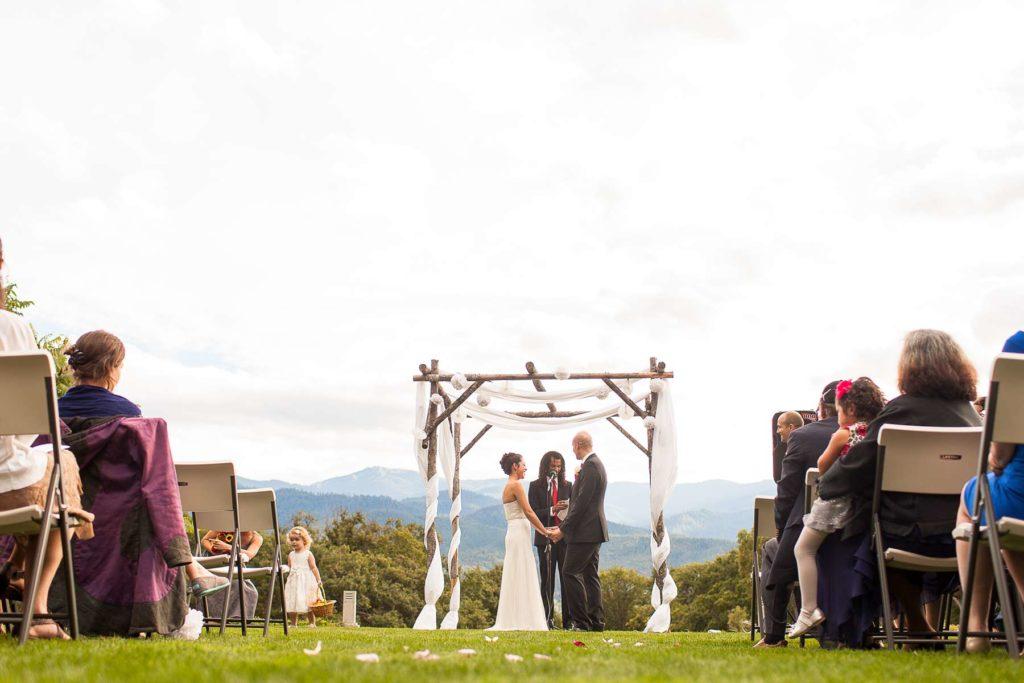 bride groom wedding ceremony grizzly vineyard winery oregon