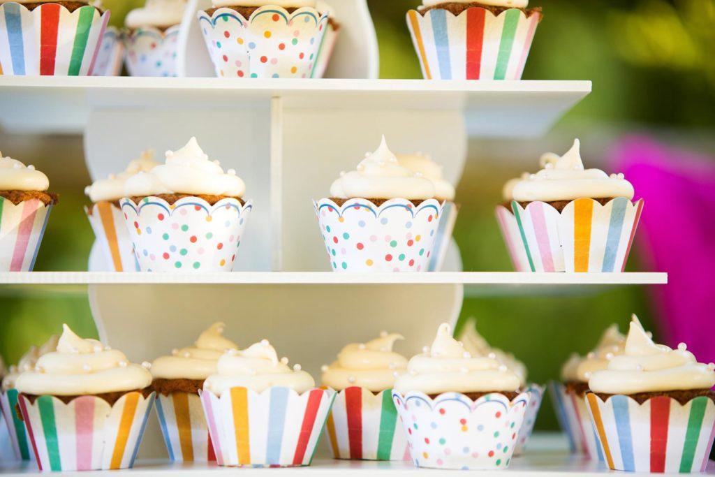 wedding reception cupcake desserts salem oregon wedding