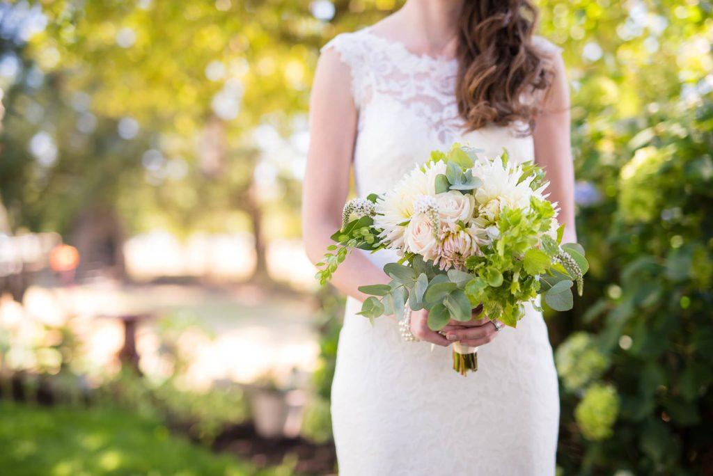 bride floral bouquet salem oregon wedding